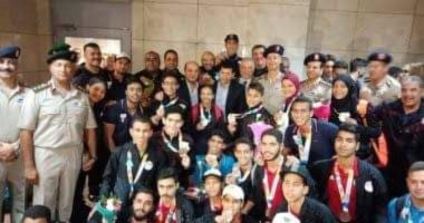 وزير الرياضة يستقبل أبطال مصر المشاركين بأولمبياد بالارجنتين في مطار القاهرة