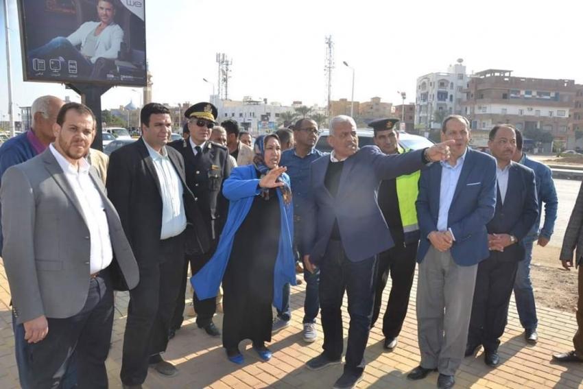 صقر يتابع أعمال التطوير والتجميل علي طريقي السويس القاهرة وشارع صلاح نسيم بالسويس