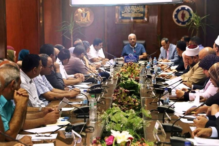 المجلس التنفيذي للسويس يوافق علي إقامة شاطئ عام جديد وتوصيل الصرف الصحي لمنطقة الكبانون