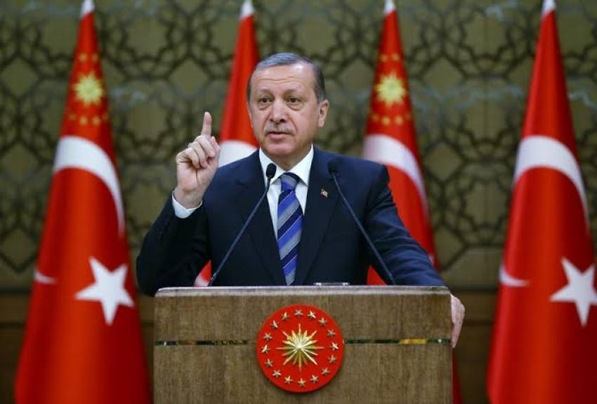 أردوغان ومحمد بن زايد يبحثان هاتفيا العلاقات بين أنقرة وأبوظبي