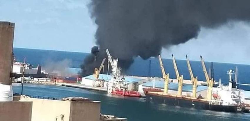 غرفة عمليات الجيش الليبي تعلن تدمير سفينة أسلحة وذخائر تركية بميناء طرابلس