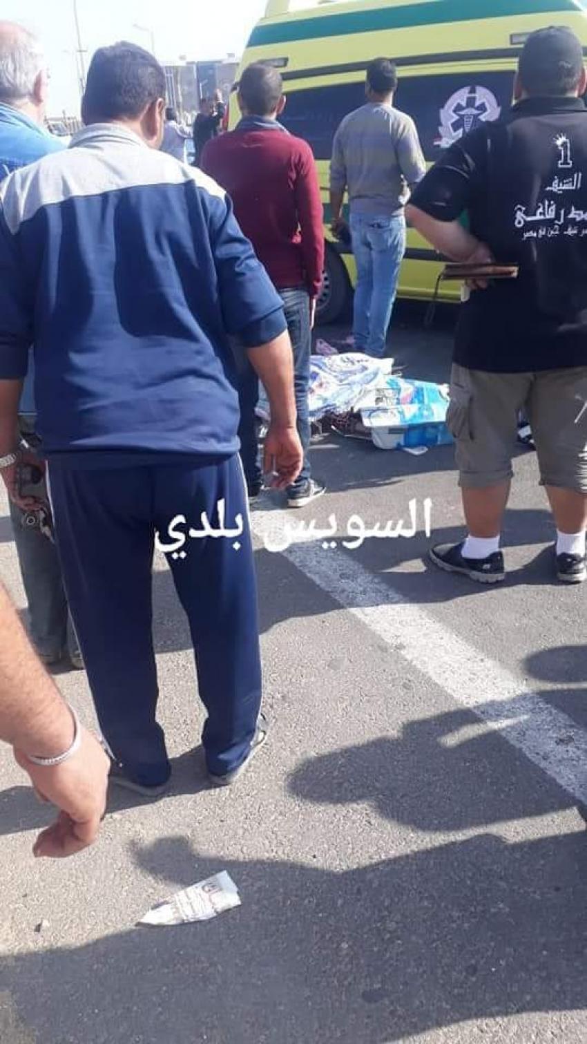 بالصور..مصرع فتاتين في حادث دهس سيارة نقل قبل كوبري الجيش بالسويس