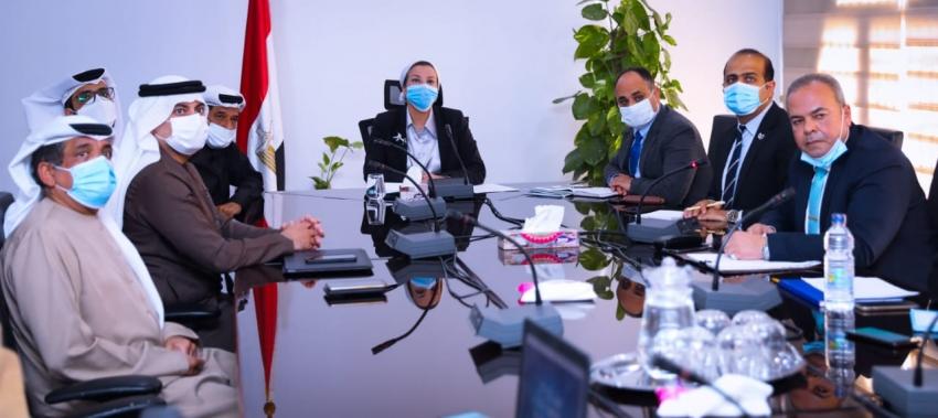 """وزيرة البيئة تبحث مع شركة """"بيئة"""" الإماراتية آليات تنفيذ منظومة إدارة المخلفات بالعاصمة الإدارية الجديدة"""