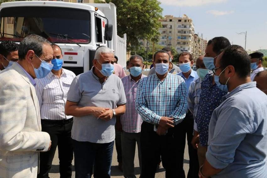 بالصور : دخول عدد 10 سيارات قلاب الخدمة لتدعيم النظافة بالسويس