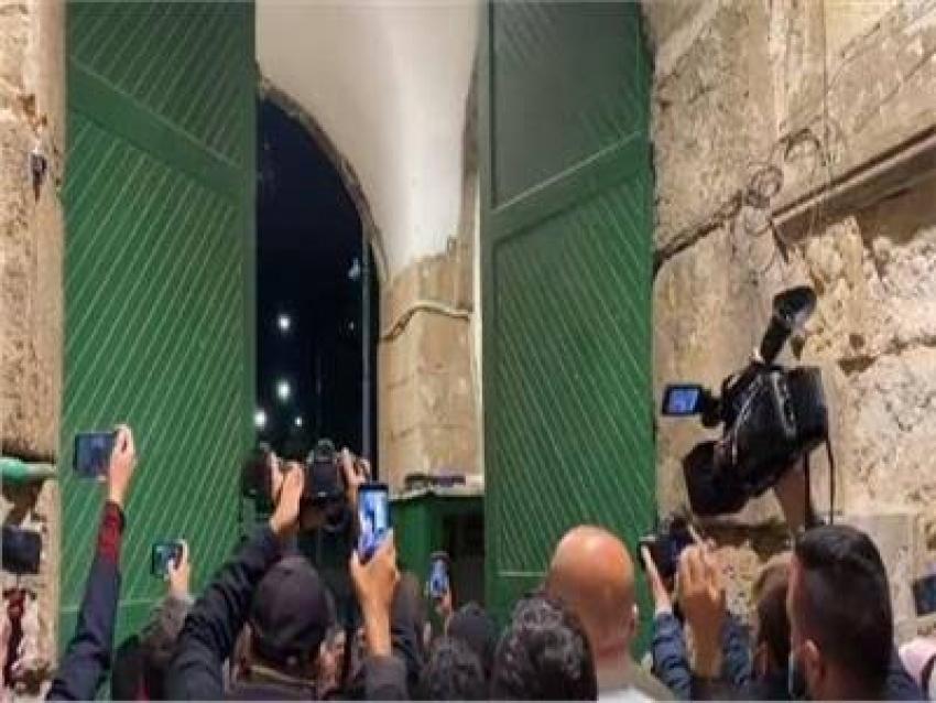 فتح المسجد الأقصى المبارك بعد إغلاق دام 69 يومًا