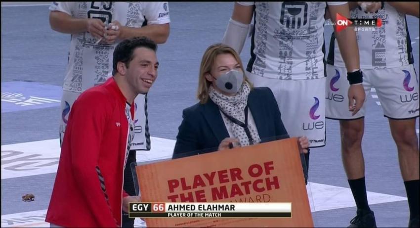 أحمد الأحمر رجل مباراة مصر  والاتحاد الروسي بمونديال اليد