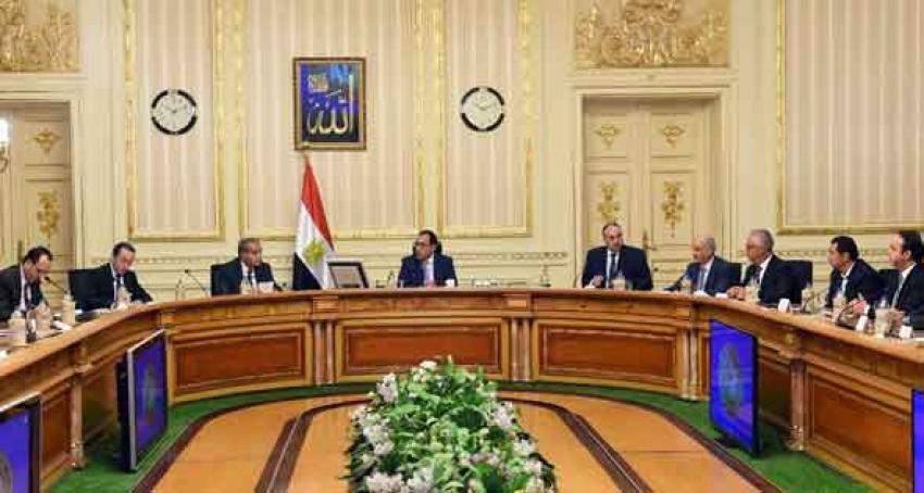 رئيس الوزراء يتابع تجهزات نقل الحكومة للعاصمة  الادارية الجديدة