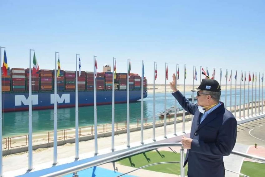 """عبور ٧١ سفينة بقناة السويس بإجمالي حمولة صافية ٤,٨ مليون طن اليوم الجمعة"""""""