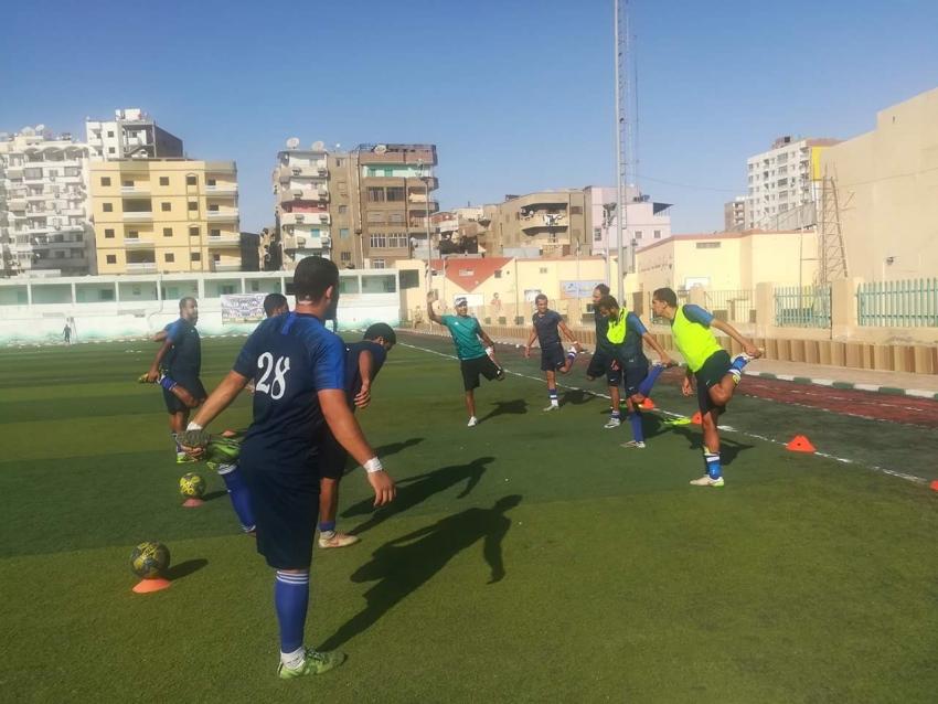 عمرو عبد الرحمن يقود هجوم غزل السويس أمام بلدية الإسماعيليه في القسم الثالث
