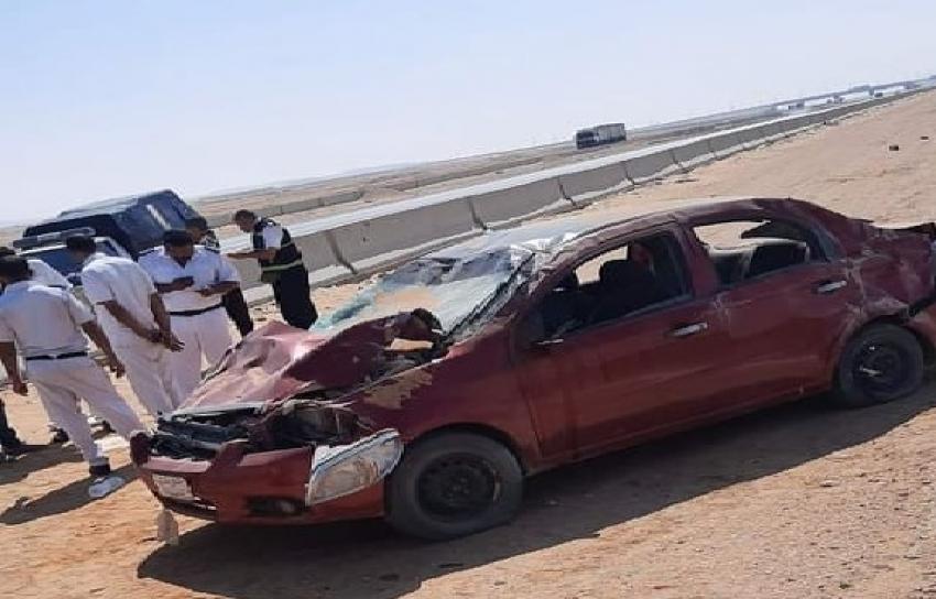 بالصور: اصابة 5 مراقبين ثانوية عامة بالسويس اثر انقلاب سيارة ملاكي امام وادي حجول