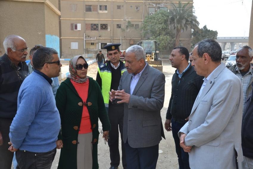 صقر يتابع أعمال التطوير بمدينة التعاونيات وطريق السويس القاهرة