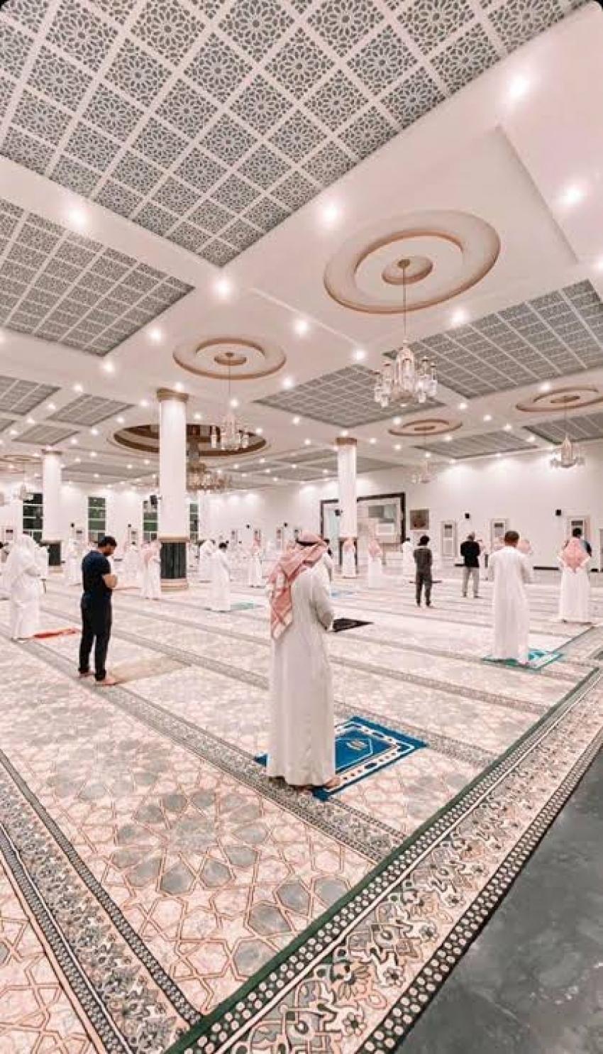 السعودية تعيد إغلاق ٧١ مسجدًا تمّ فتحهم بسبب «كورونا»