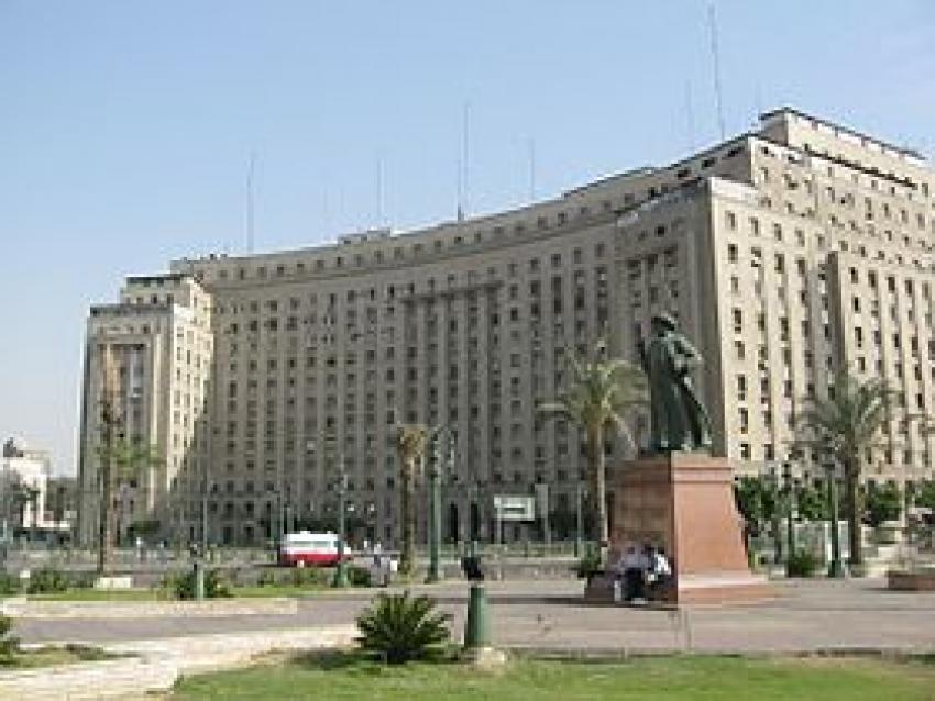 """الحكومه تنفي بيع""""مجمع التحرير""""لمستثمرين اجانب"""