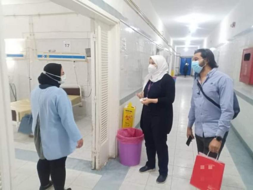 مديرة المكتب الفنى تتفقد أقسام عزل مستشفى السويس العام