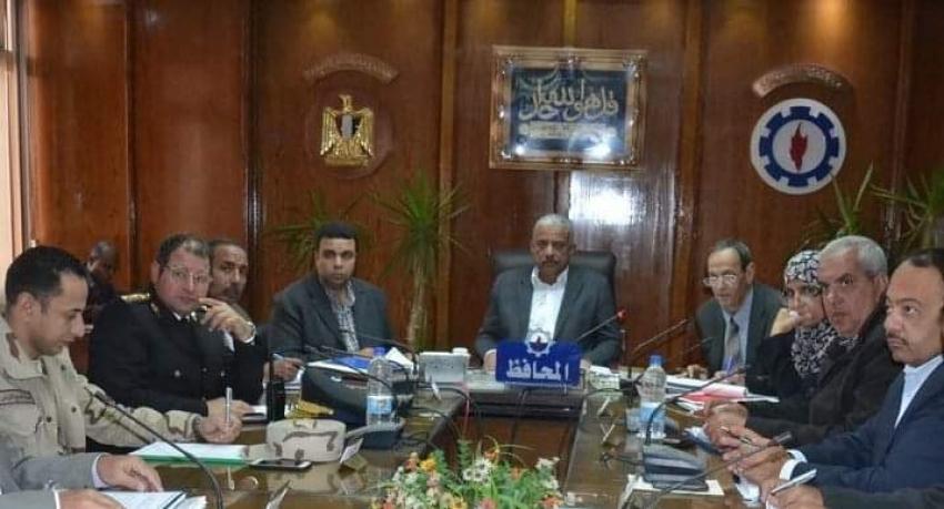 المجلس التنفيذي بمحافظة السويس يوافق علي ترخيص 150 سيارة تاكسى للشباب