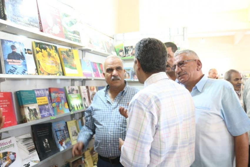 افتتاح معرض الكتاب بمركز شباب المدينة بالسويس